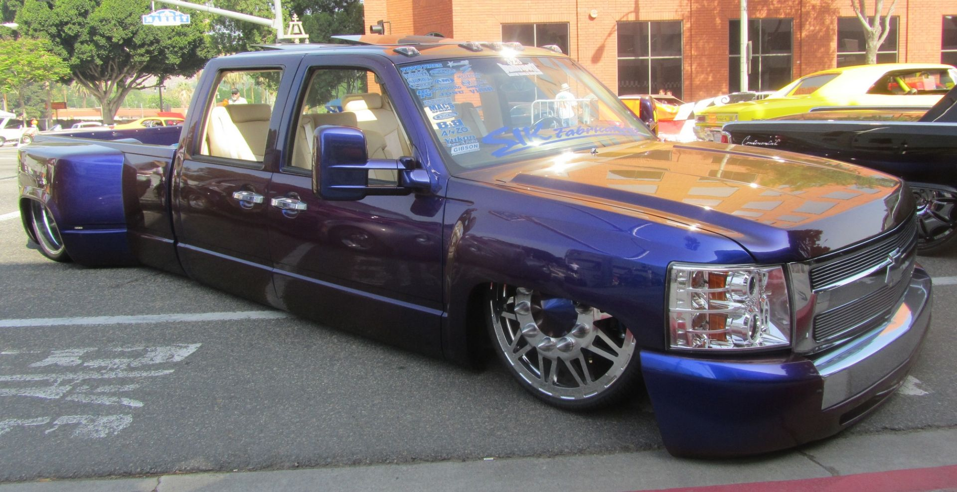 chevrolet dually custom truck only cars and cars. Black Bedroom Furniture Sets. Home Design Ideas